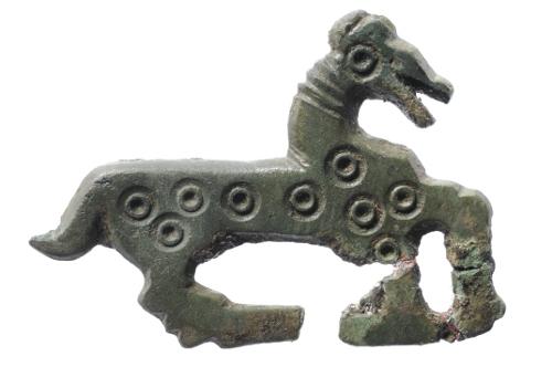 Fibule zoomorphe en bronze